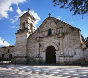 Iglesia colonial de Huancahuanca