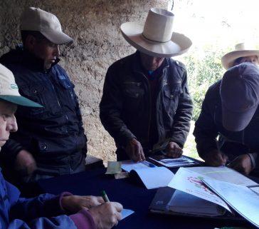 Sesión de una unión de créditos y ahorro en zona rural de La Encañada 02