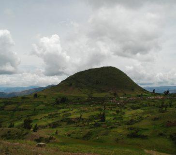 Formación geológica en la Provincia de Acobamba