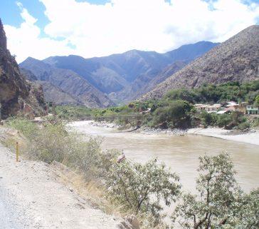 Puente sobre el Marañon, límite entre Cajamarca y el departamento de Amazonas