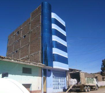 Edificio más alto de Paucará (quizás el más alto de toda Huancavelica y expresión de la pujanza comercial de esa localidad)